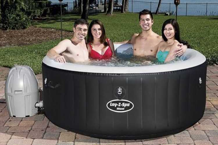 B&M slashes price of sell-out hot tub to £225