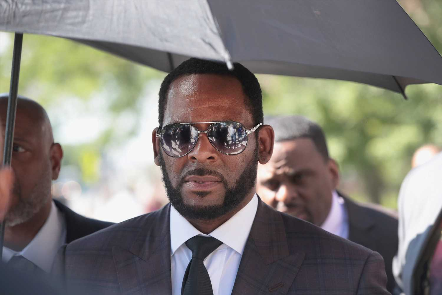 R. Kelly appears in court for child sex abuse case