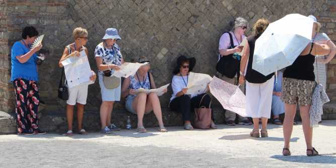 I visited Pompeii in the middle of Europe's deadly heat wave, and I couldn't believe how many tourists braved the sweltering temperatures