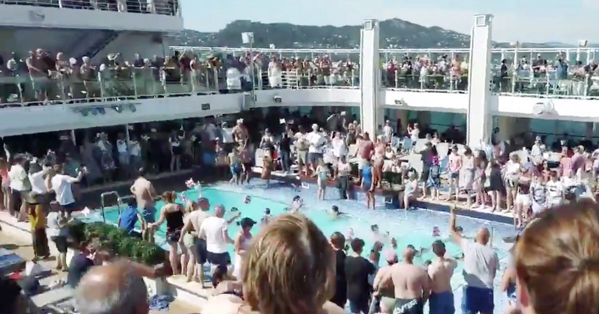 Clown 'starts violent brawl on cruise ship as passengers use plates for weapons'