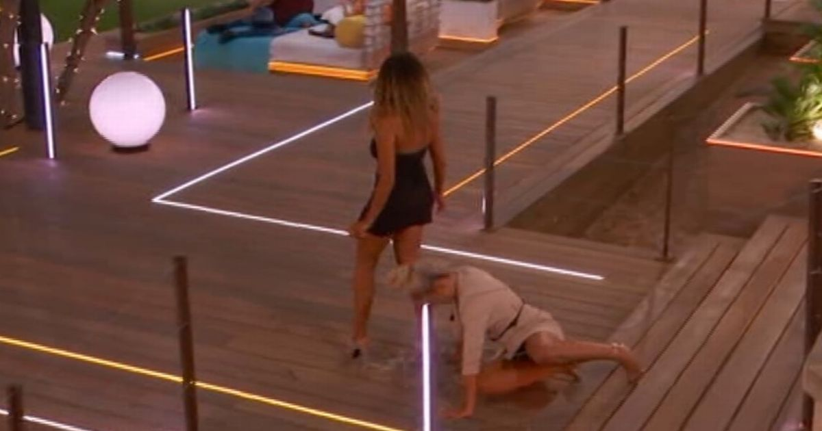 Love Island's Molly-Mae nearly breaks ankle in brutal unseen fall down stairs