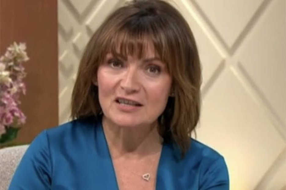 Lorraine Kelly wows fans as she's heralded as 'gorgeous' in silky jumpsuit