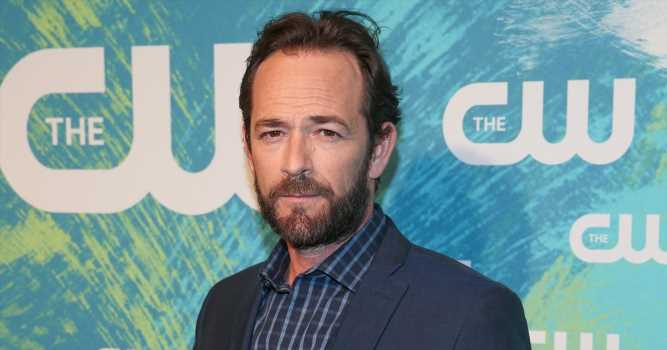 Luke Perry Gets Roaring Cheers at 'Once Upon a Time in Hollywood' Premiere