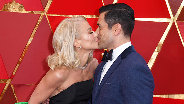Kelly Ripa Gushes Over Pic Of Sexy Husband Mark Consuelos On Their Honeymoon: 'Daddy'