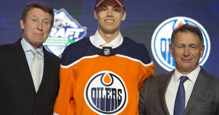 Edmonton Oilers sign Philip Broberg to entry-level contract