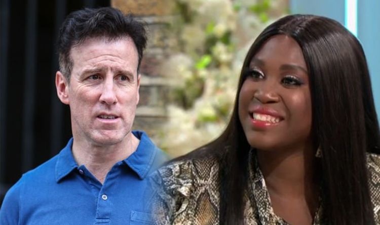 Motsi Mabuse jibes Anton Du Beke on Strictly judge role snub 'BBC know what they're doing'