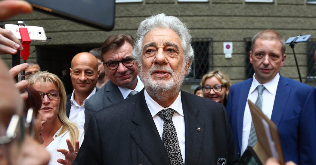 Plácido Domingo Withdraws From Tokyo Olympics Performances