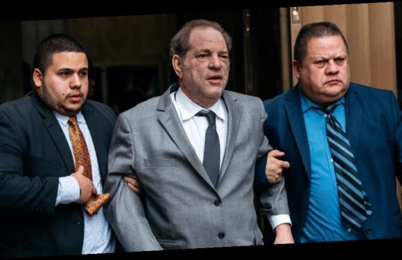 Harvey Weinstein Struggles to Walk While Leaving NYC Courtroom