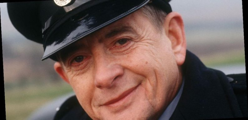 Heartbeat creator's daughter leads tributes to Derek Fowlds