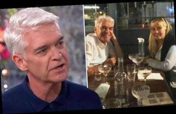 Phillip Schofield makes cryptic change in first family pic since 'divorce talks' with wife