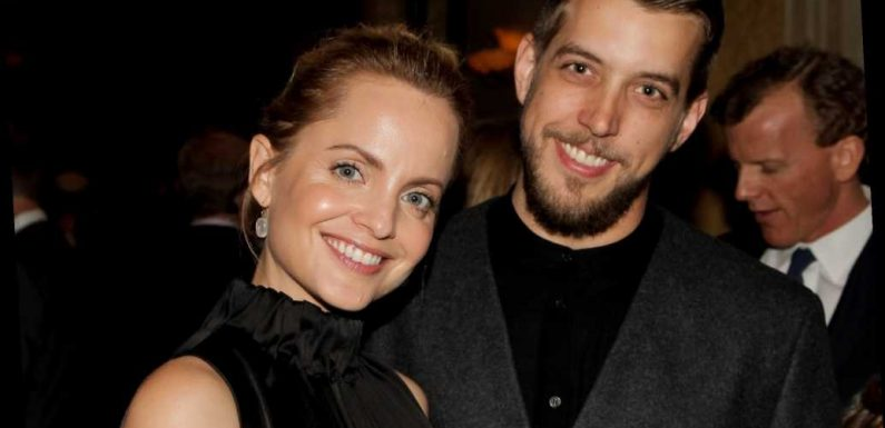 Mena Suvari is pregnant, expecting first child with husband Michael Hope