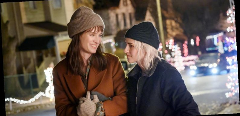 11 New Feel-Good Holiday Romantic Comedies That'll Get You in the Spirit