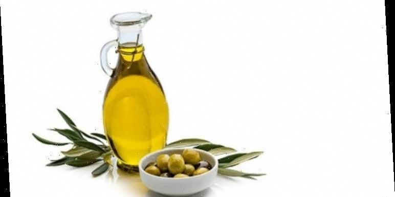 Olive oil hacks: 4 ways to use olive oil in your beauty routine