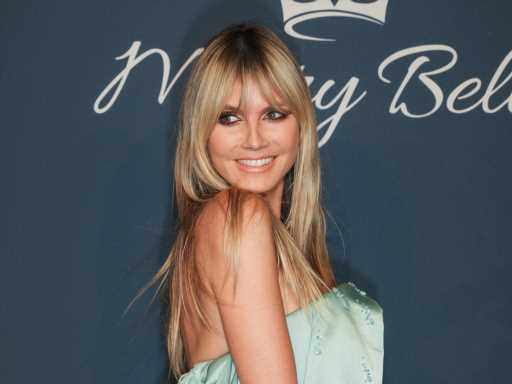 Heidi Klum's Daughter Leni Shows Off Her Acne in Rare Photo