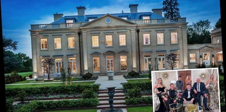 Where is the Celebs go Dating mansion?