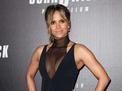 """Halle Berry Had a """"Janet Jackson Moment"""" on IG Live"""