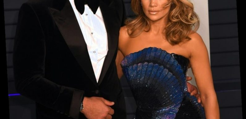 Alex Rodriguez 'is fully aware that this relationship is… hanging by a thread'