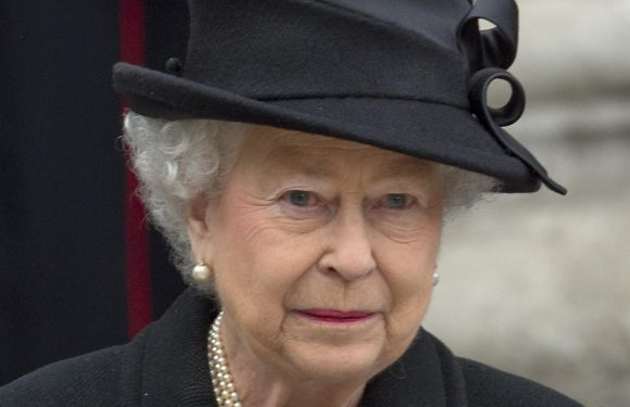 Body Language Expert Noticed The Queen Do Something Very Telling At Her Husband's Funeral