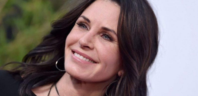 'Friends': Courteney Cox Is More like Monica Than Fans Knows