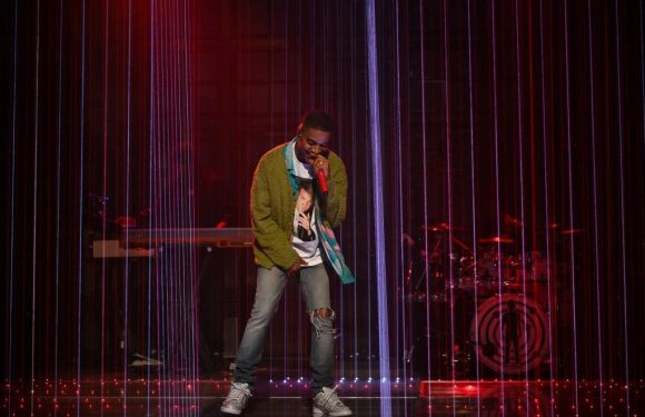 See Kid Cudi Pay Tribute to Kurt Cobain, Chris Farley as 'SNL' Musical Guest