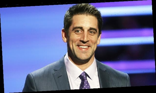 Aaron Rodgers Hosts 'Jeopardy!' & Twitter Cheers After He Admits He'd Like Job To Be Permanent