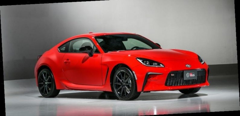 Toyota Unveils 2022 GR 86 With Bigger Engine and Quicker 0-60