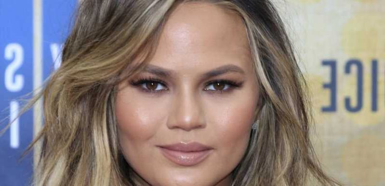 Chrissy Teigen Has Something To Say About Ben Affleck And Matthew Perry