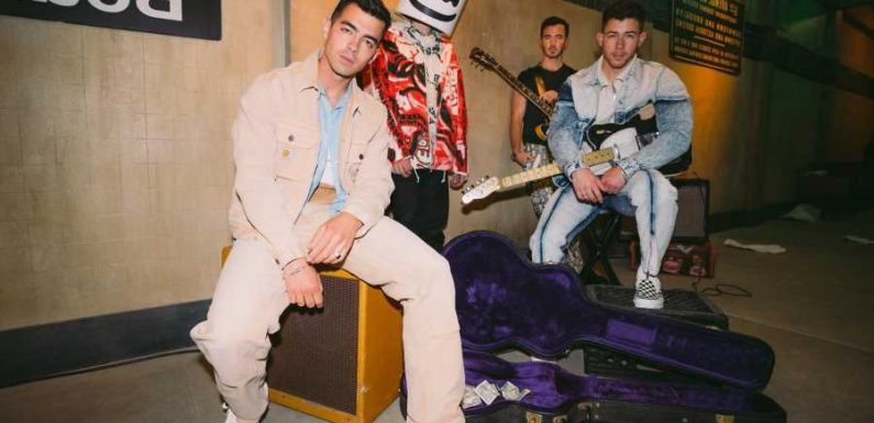 Jonas Brothers, Marshmello Link Up for 'Leave Before You Love Me'