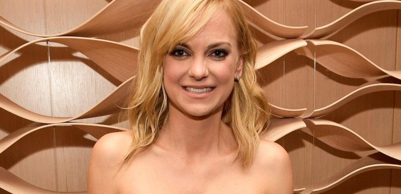 Anna Faris Reveals She Eloped with Fiance Michael Barrett — Her Family Didn't Even Know