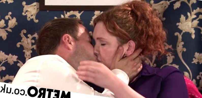 Spoilers: Fiz and Tyrone share kiss after Hope ordeal in Corrie