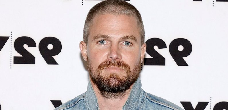 Stephen Amell Reveals Greg Berlanti Convinced Him To Stay On Arrow For Last 2 Seasons