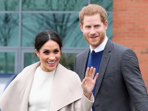 Those Paparazzi Photos of Meghan Markle After Her Miscarriage Struck a Serious Nerve For Her & Harry