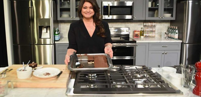 Valerie Bertinelli's Salted Caramel Chocolate Chip Cookies Are the Perfectly Sweet Afternoon Treat