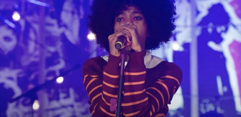 Willow Drops Live Performance Video for 'Lipstick' With Travis Barker