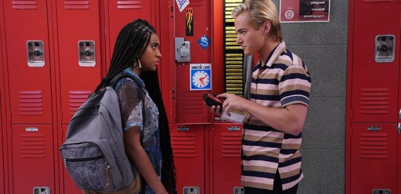Get Ready to Cheer On Bayside High! Here's What We Know About Saved by the Bell Season 2