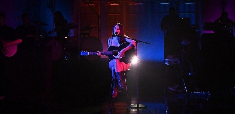 Kacey Musgraves Heats Up SNL With Nude Performance and Bares Her Emotions